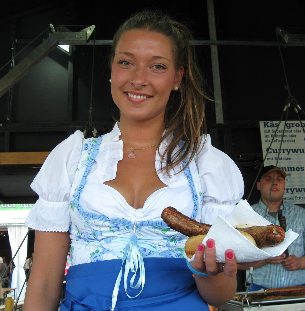 Mädchen in Bayern Tracht