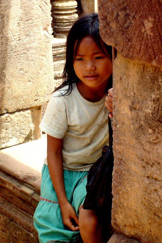 Mädchen in den Tempel von Angkor, Kambodscha