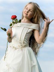 Mädchen mit Rose Bearbeitet