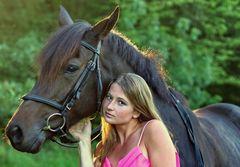 Mädchen mit seinem Pferd