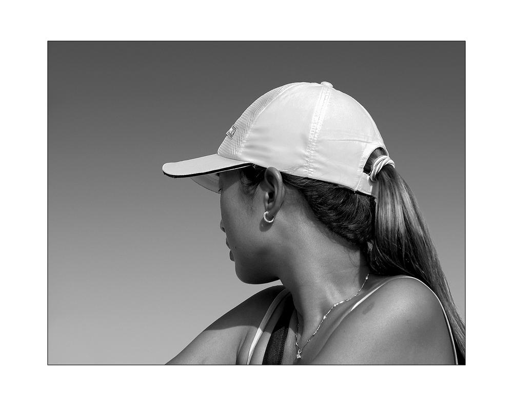 Mädchen mit weißer Mütze