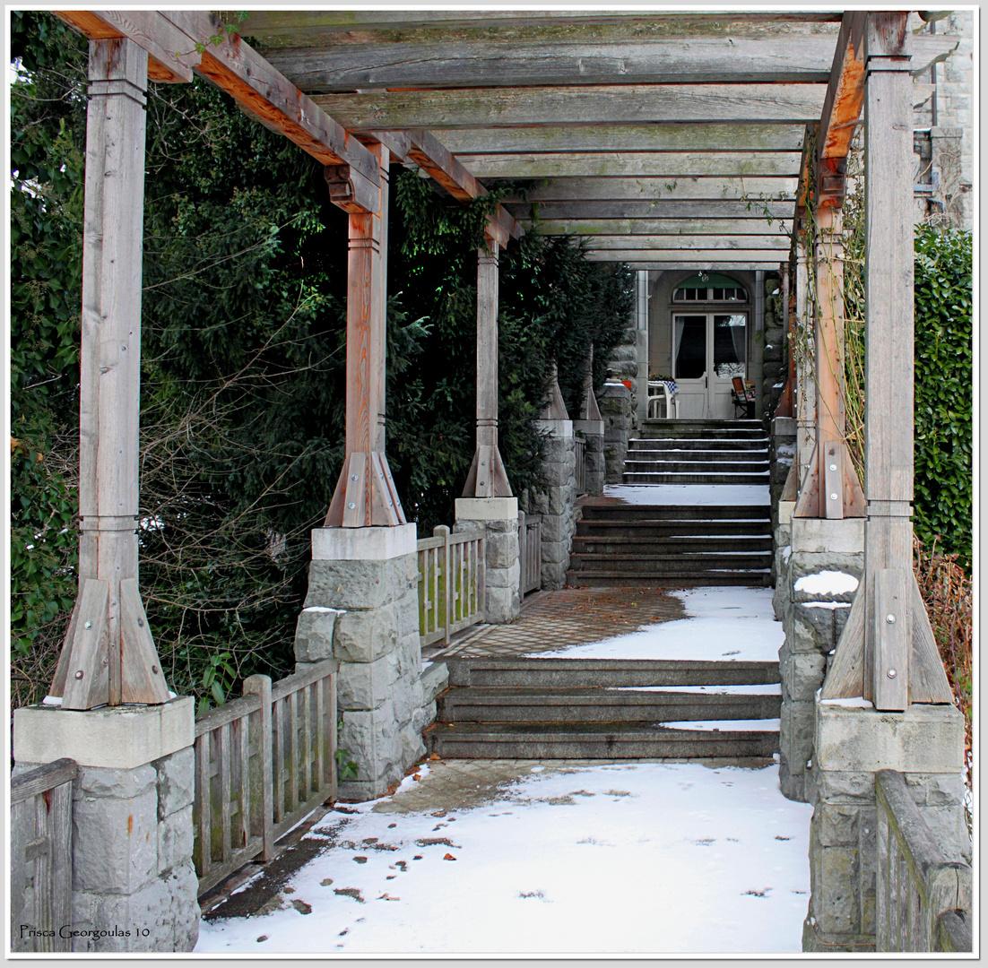 Männedorf - Zugang zur Villa Alma aus dem Park
