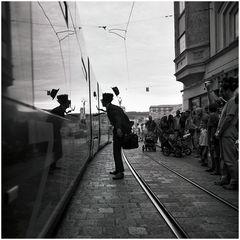 Männern und Straßenbahnen soll man nie nachlaufen, es kommen immer wieder neue.