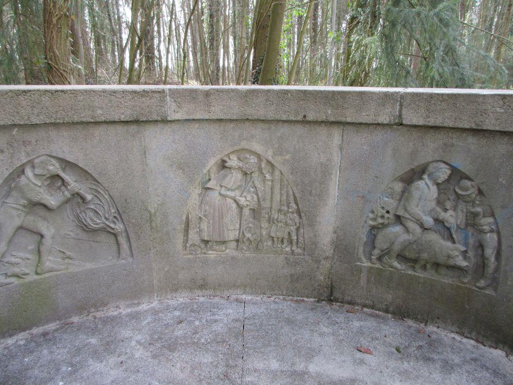 Märchenbrunnen im Stadtpark Roth