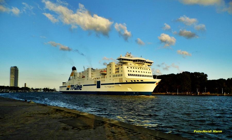 Märchenschiff Nils Holgersonn. TT - Line