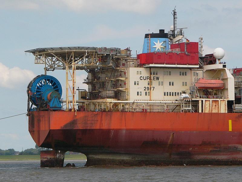 Maersk Curlew mit Hubschrauberlandeplatz