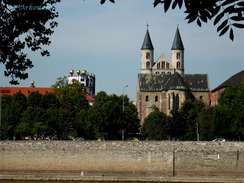 Magdeburg von der Elbe