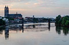 Magdeburger Dom bei Dämmerung