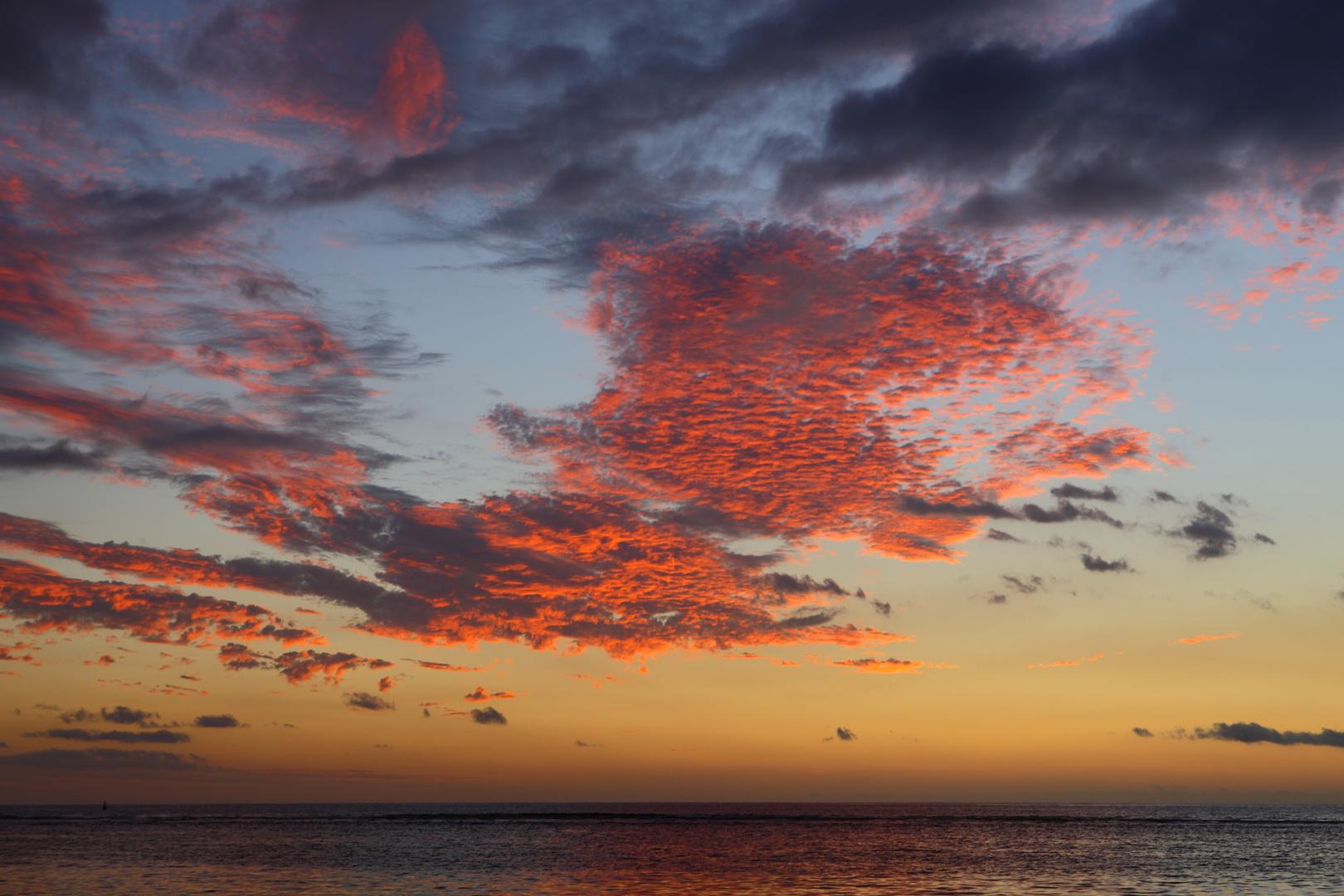 magic sunset in La Réunion