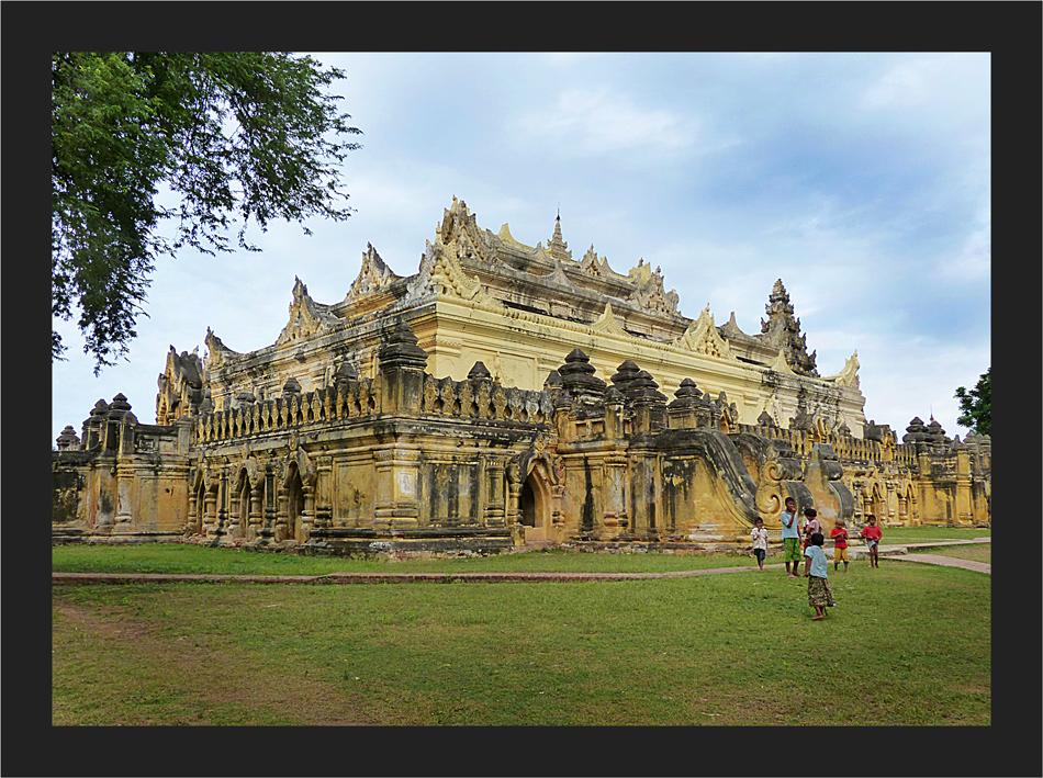 Maha Aung Mye Bon Zan Monastry