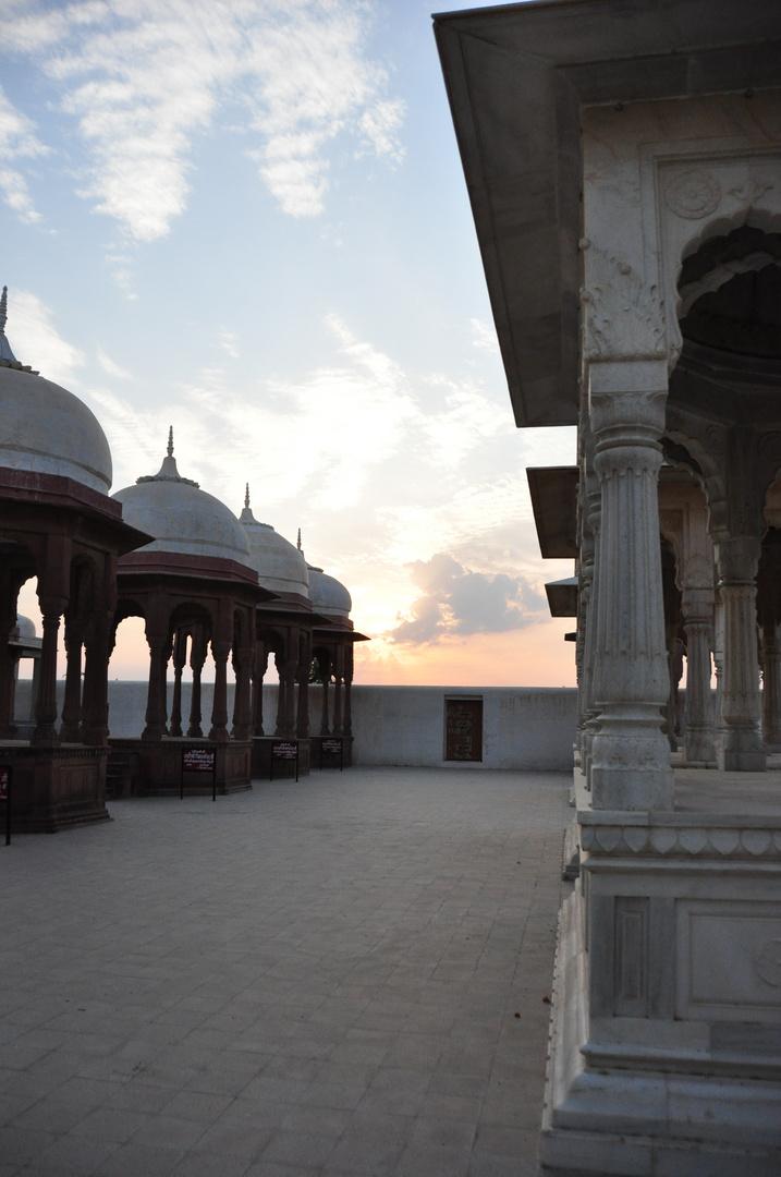 Maharadscha Gedenkstätten kurz vor Bikaner