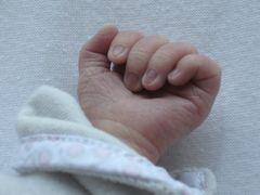 ..Main d'un bébé d'1 jour..