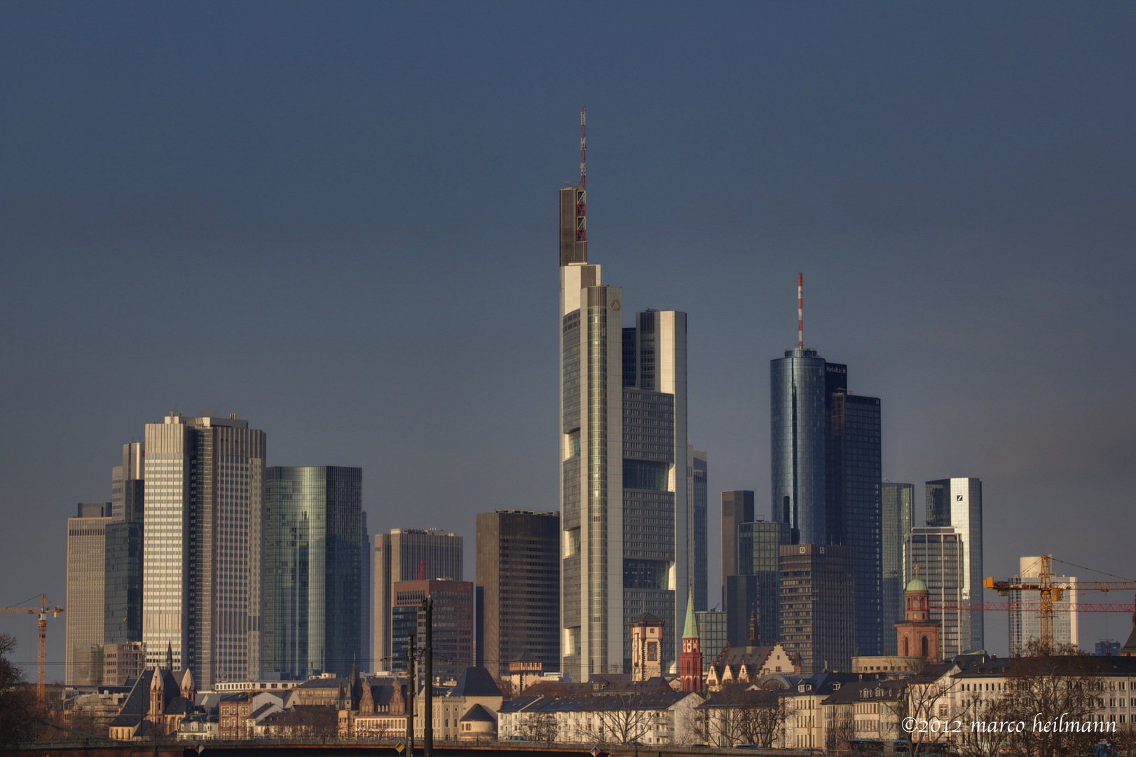 mainhattan skyline frankfurt am main foto bild architektur stadtlandschaft skylines. Black Bedroom Furniture Sets. Home Design Ideas