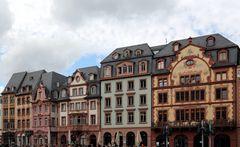 Mainz - Altstadtzeile am Domplatz