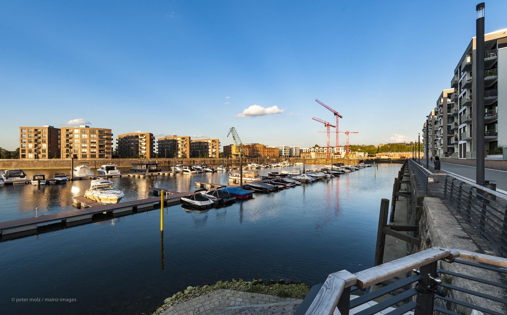 Mainz - Die Umgestaltung des ehemaligen Mainzer Zollhafens (5)