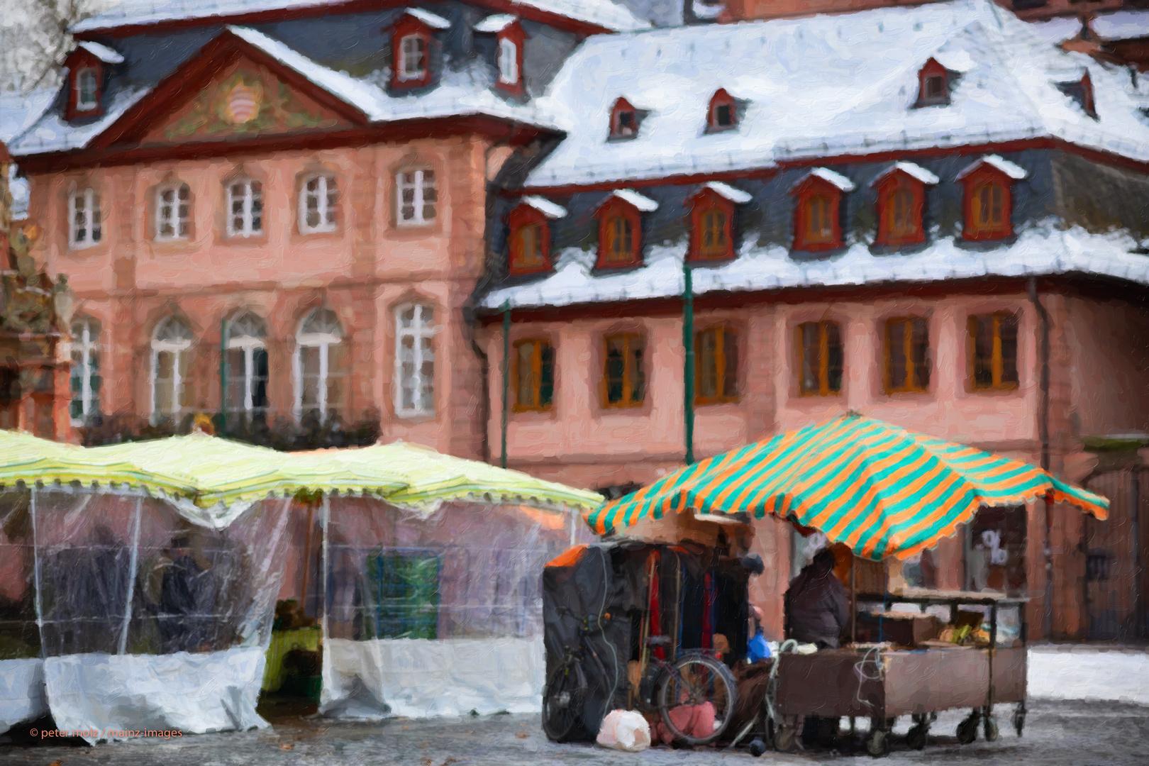 Mainz - Wochenmarkt auf dem Markplatz im Winter / farmers market in winter