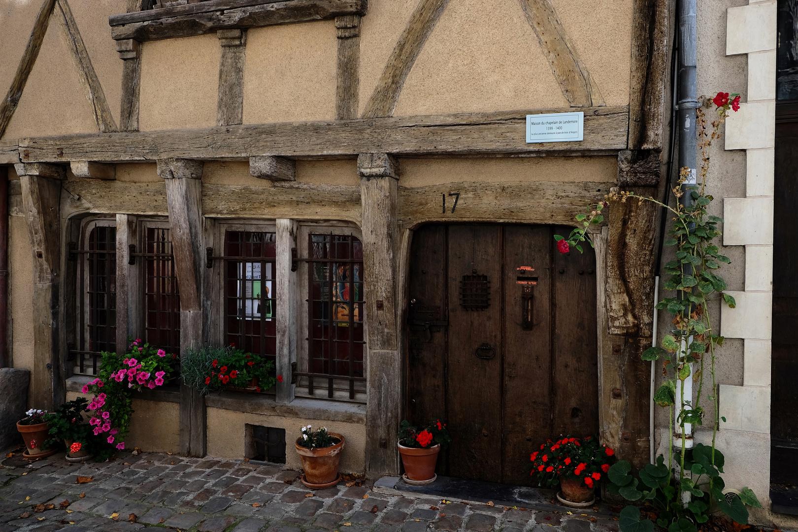 """Maison du chapelain de Landemore  """"1399 – 1400"""