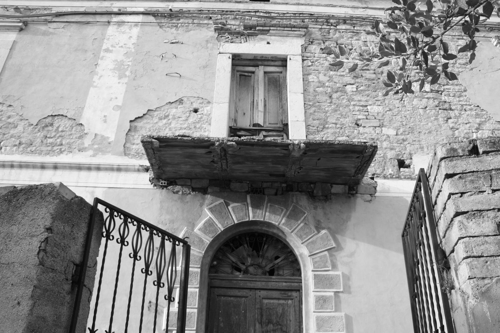 maison noir et blanc