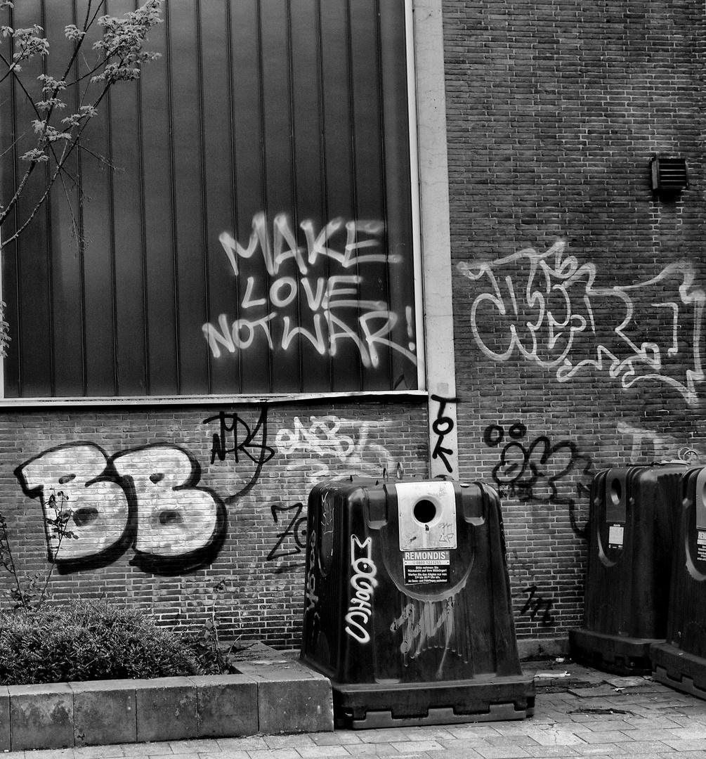 MAKE LOVE ...
