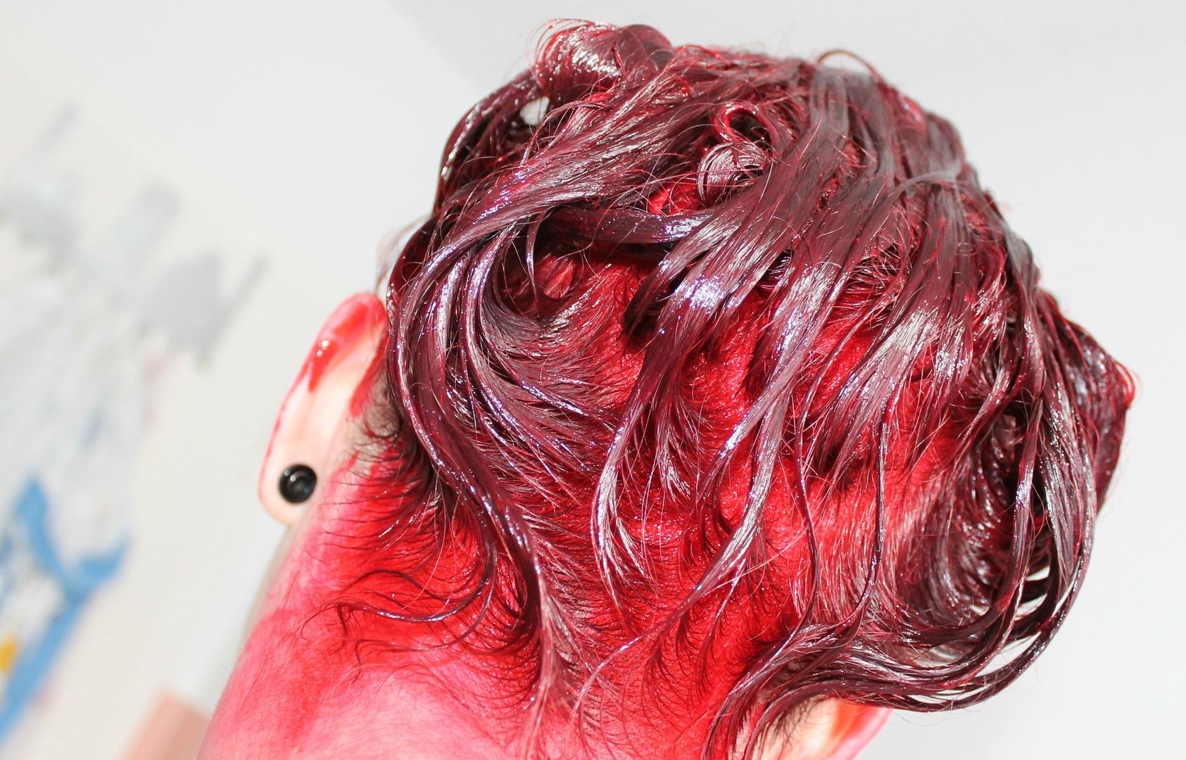making red hairs.