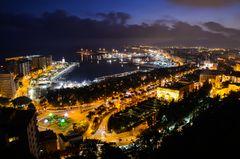 Malaga von oben, kurz nach Sonnenuntergang