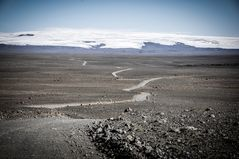 malbik endar - gravel road ahead...