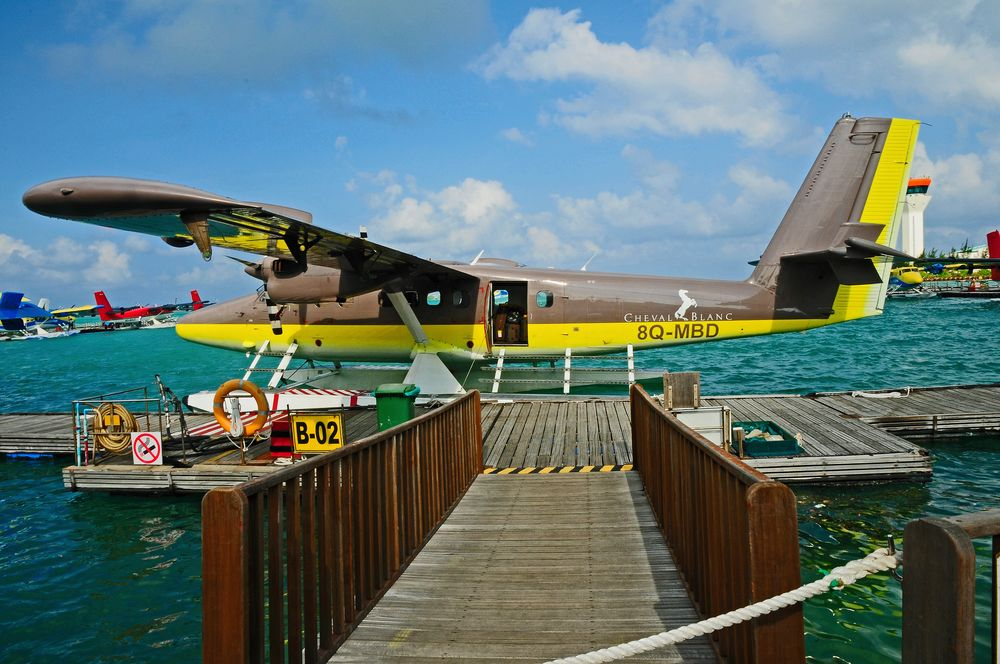 MALDIVES AIRTAXI BIN AUF DEM WEG ZU...........
