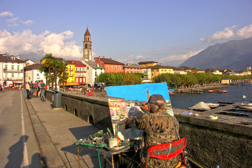 """""""Malerblick"""" auf die Häuser der Uferpromenade """"Piazza Guiseppe Motta"""" in Ascona"""