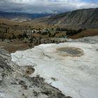 Mammoth Hot Springs im September