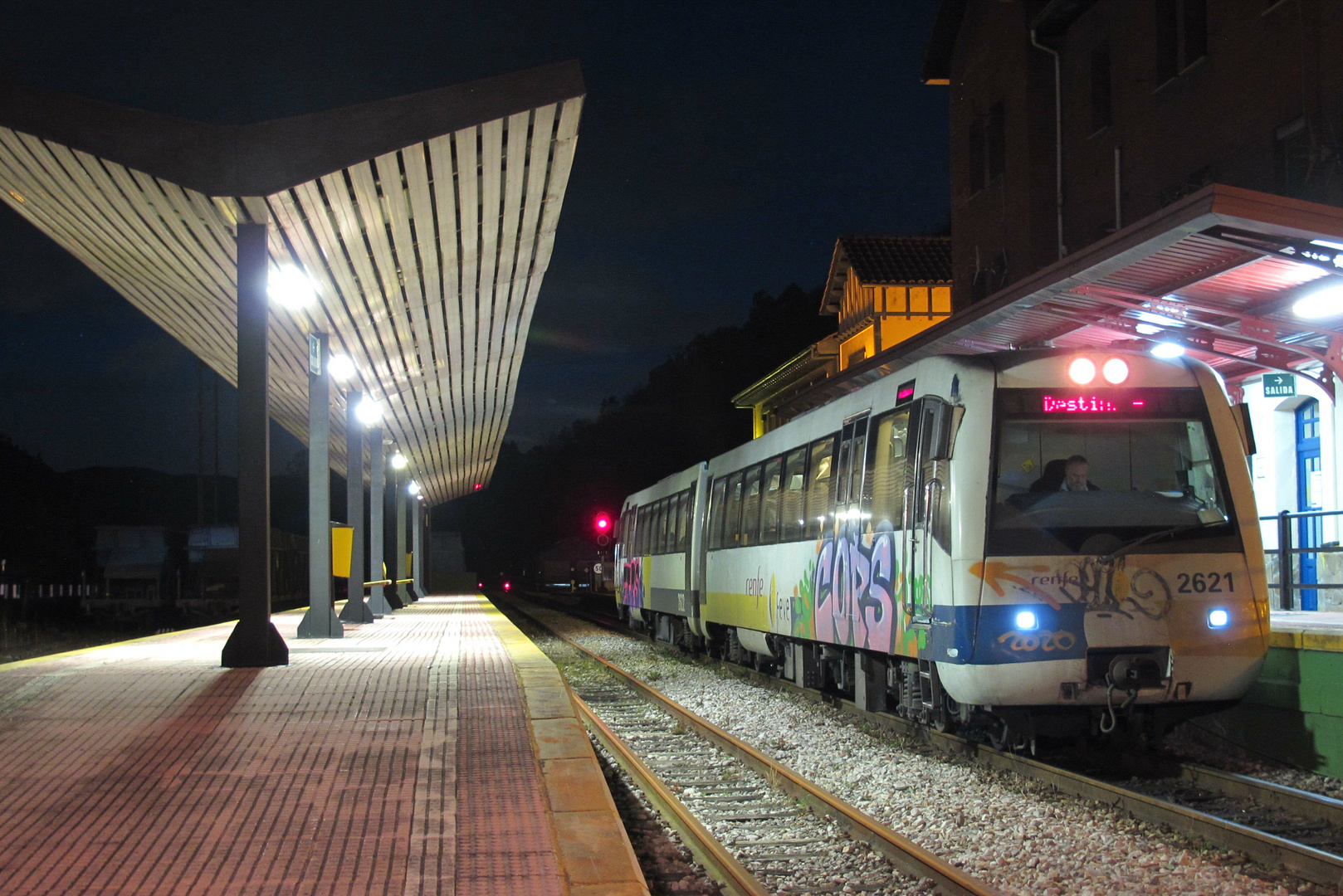 Man 2621 at Figaredo station to Collanzo