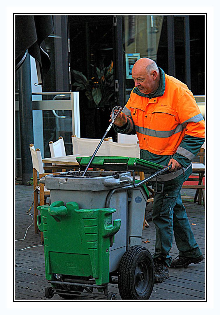 Man at work >1