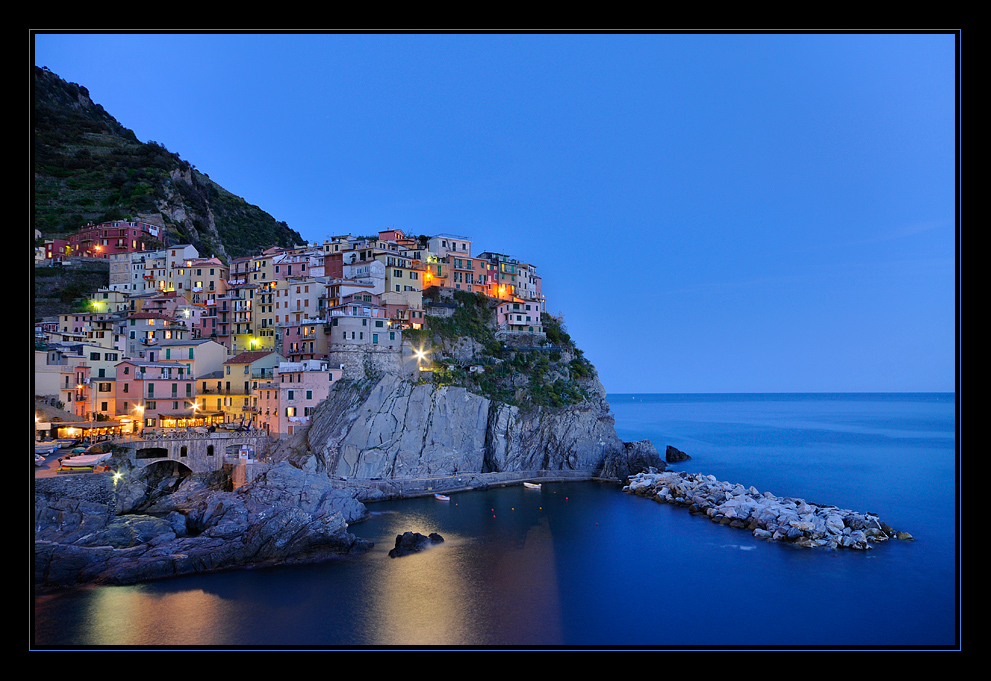~ ~ ~ Manarola @ night ~ ~ ~