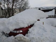 manch ein Norweger lässt sein Auto im Winter stehen...