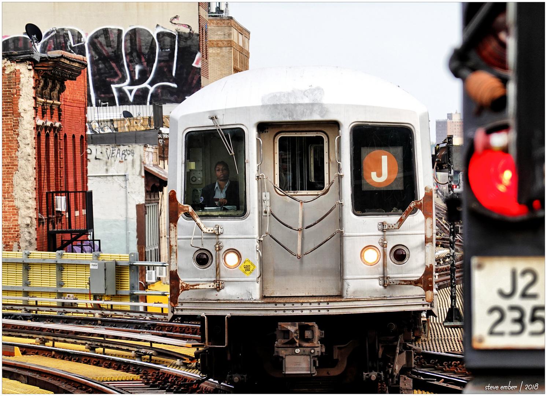 Manhattan-bound J Train Arriving Myrtle Ave