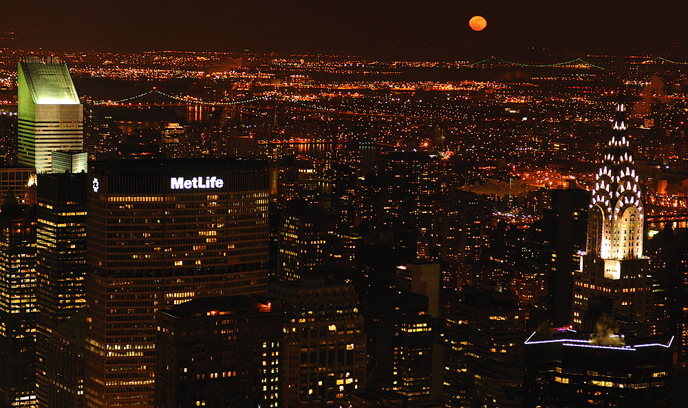 Manhatten Moonrise