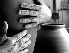 Mani di pietra