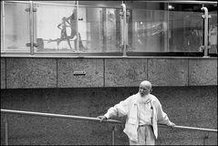 Mann auf Treppe - Stuttgart 2009