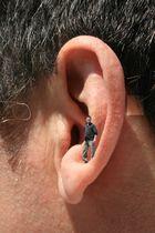 Mann im Ohr