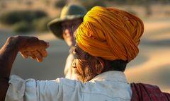 Mann mit Turban India ca-16-20-col +Fotos