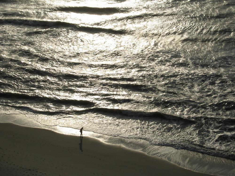 Mann und Meer in South Carolina/USA