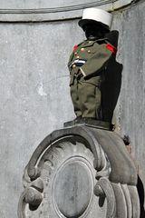 Manneken Pis in Uniform