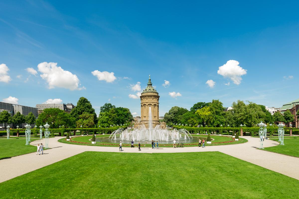 Mannheim Friedrichsplatz mit Wasserturm