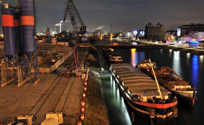 Hafen mannheim fotos bilder auf fotocommunity for Restaurant mannheim hafen