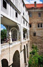 Mantelbrücke mit Arkadengang