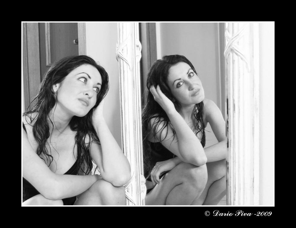 Manuela on the mirror