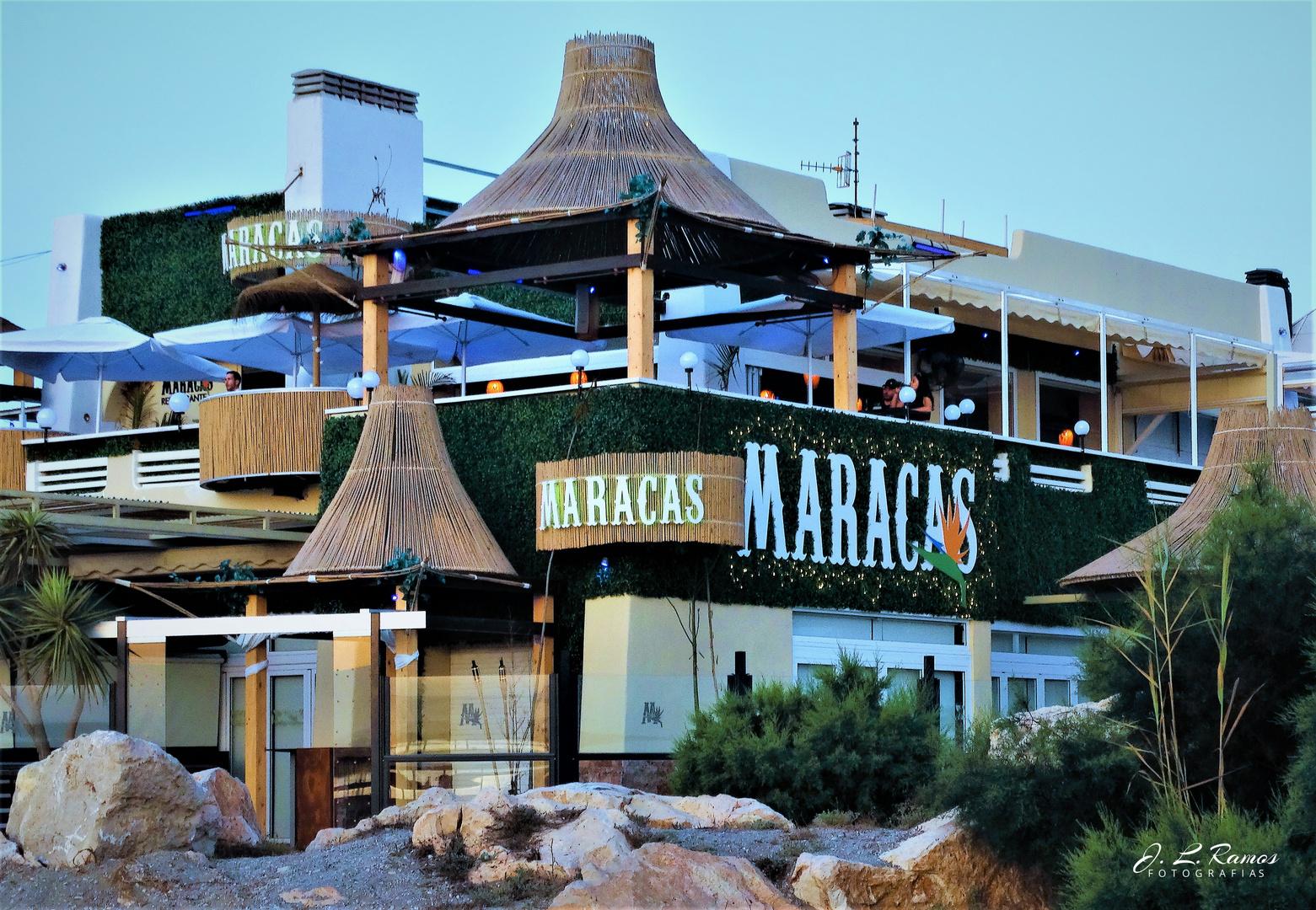 MARACAS, Un lugar de diversión junto a la playa.