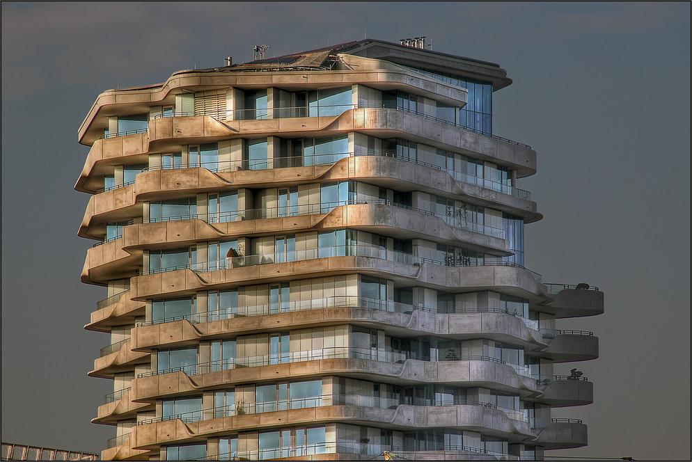 Marco-Polo-Tower ** Foto & Bild | deutschland, europe, hamburg ...