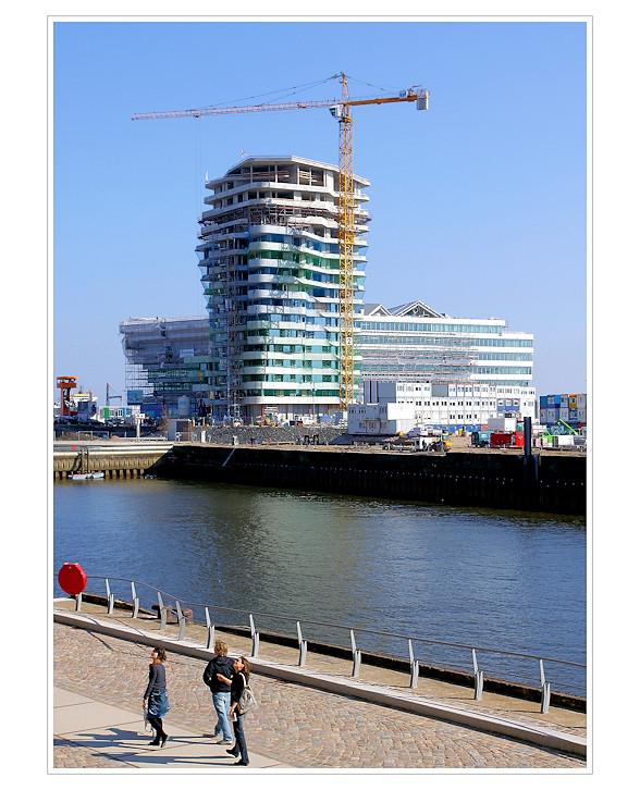 Marco Polo Tower & Unilever Center - Richtfest 0409 -