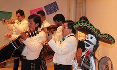 MARIACHI mexikanische Musiker Totenfest