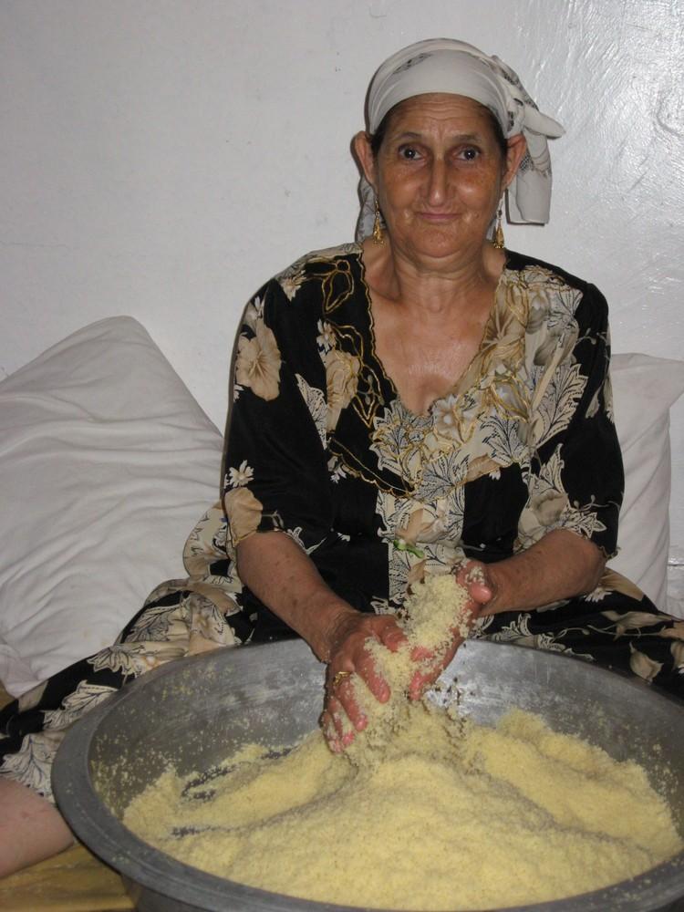 Mariage Kabyle à Alger-Préparation du couscous